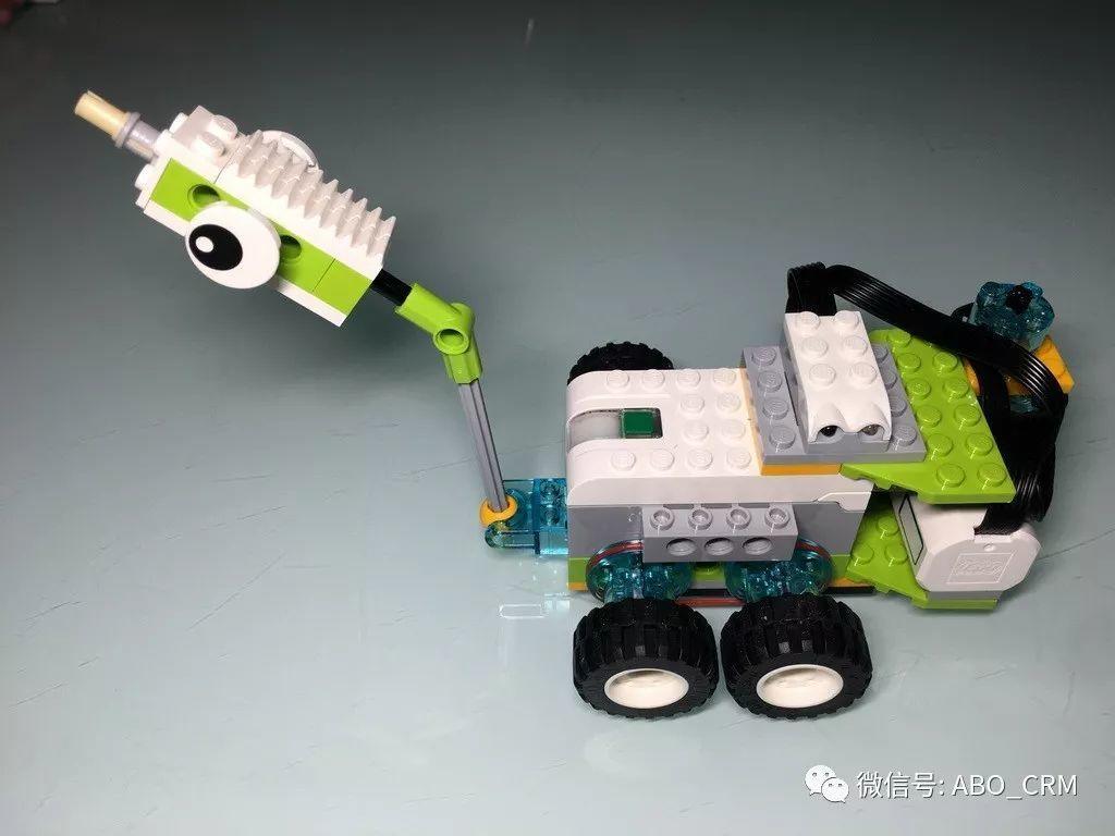 少儿编程Scratch第27讲:玩转乐高入门机器人-WeDo-移动车辆