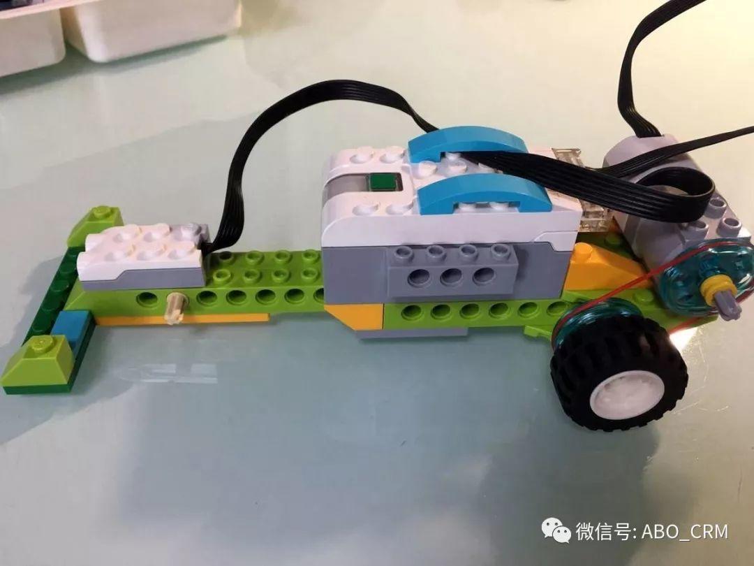 少儿编程Scratch第35讲:赛车-乐高入门机器人-WeDo(4-7岁)